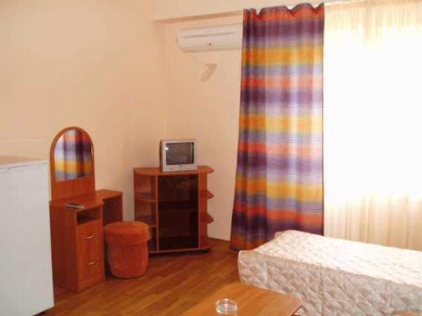 """Отель  """"Астория """", п. Витязево.  Фотоальбом."""